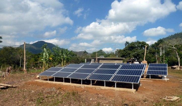 Instalación-fotovoltaica-en-Cuba-1.jpg